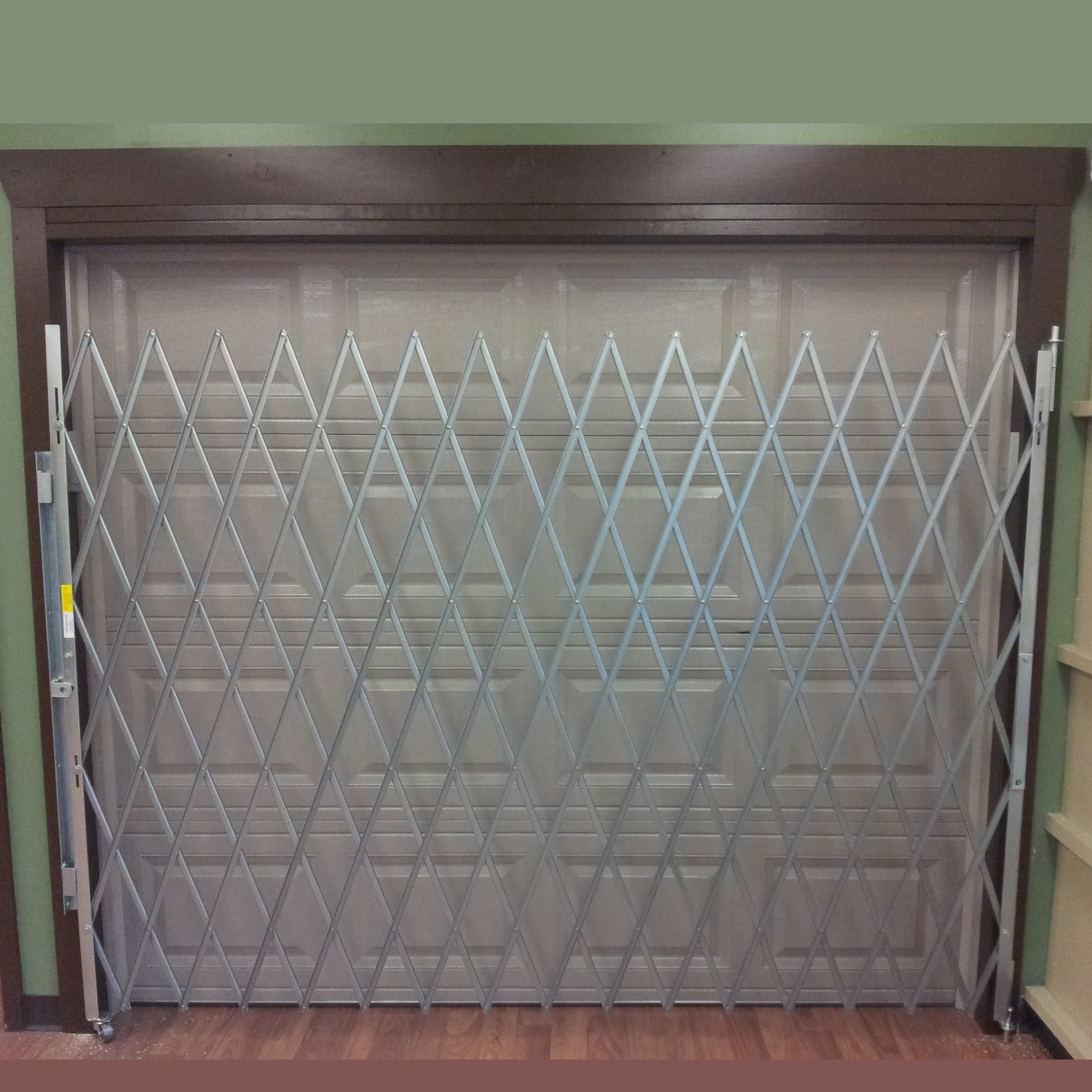 Garage Door Single Gate Squarecrop