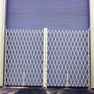 Heavy-Duty-Pair-Gate---cropped---powder-coated3