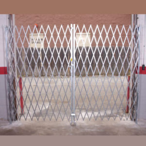 Heavy-Duty-Pair-Gate---cropped4