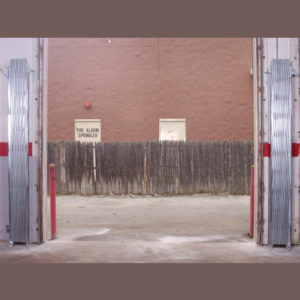 Heavy-Duty-Pair-Gate---cropped4---open