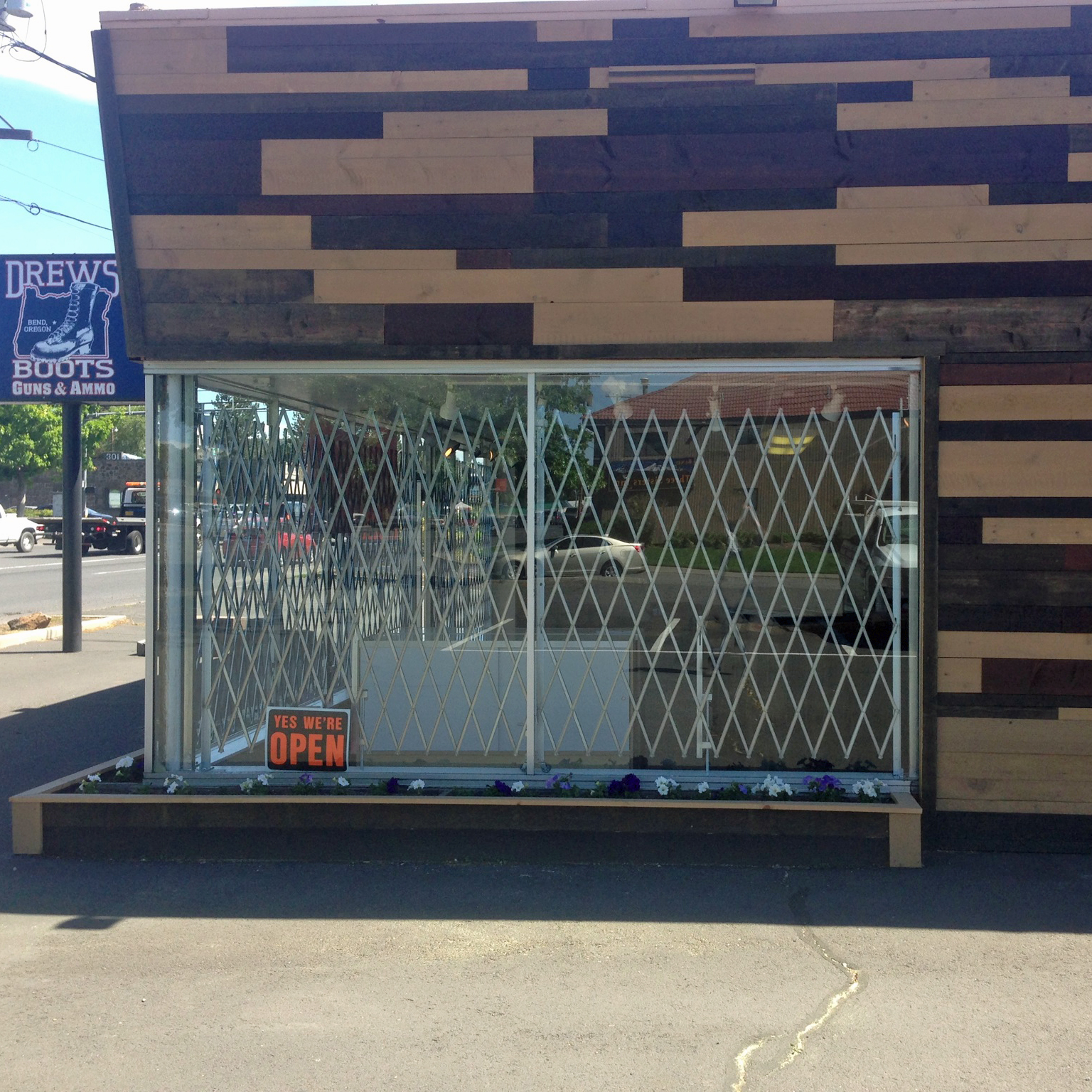 Heavy duty single folding security gates illinois